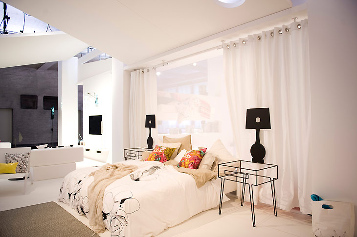 trends in fashion america asia europe. Black Bedroom Furniture Sets. Home Design Ideas